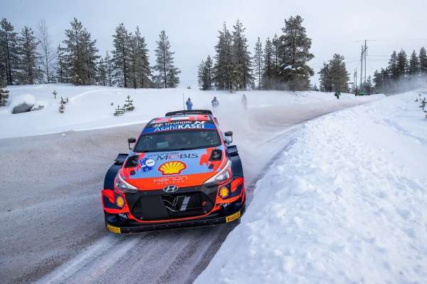 Tanak dominates day 1 on artic Rally Finland