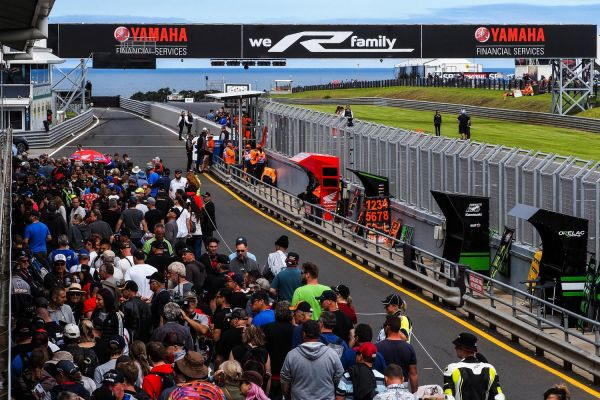 01-worldsbk-2020-aus-saturday-picture-1C6A68DEA-A8F5-1C26-DB0D-897DC7F202F9.jpg