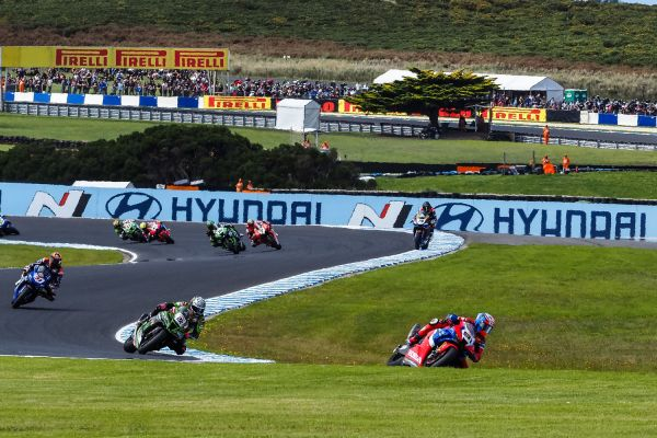 01-worldsbk-2020-aus-saturday-picture-3153FD445-B84D-FBF3-71AF-701868D8A026.jpg